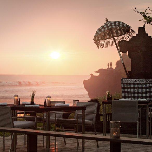 Soori Bali之Ombak餐厅 – 在海滩边享用西式料理
